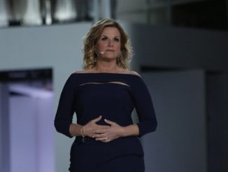 Trisha Yearwood Broken